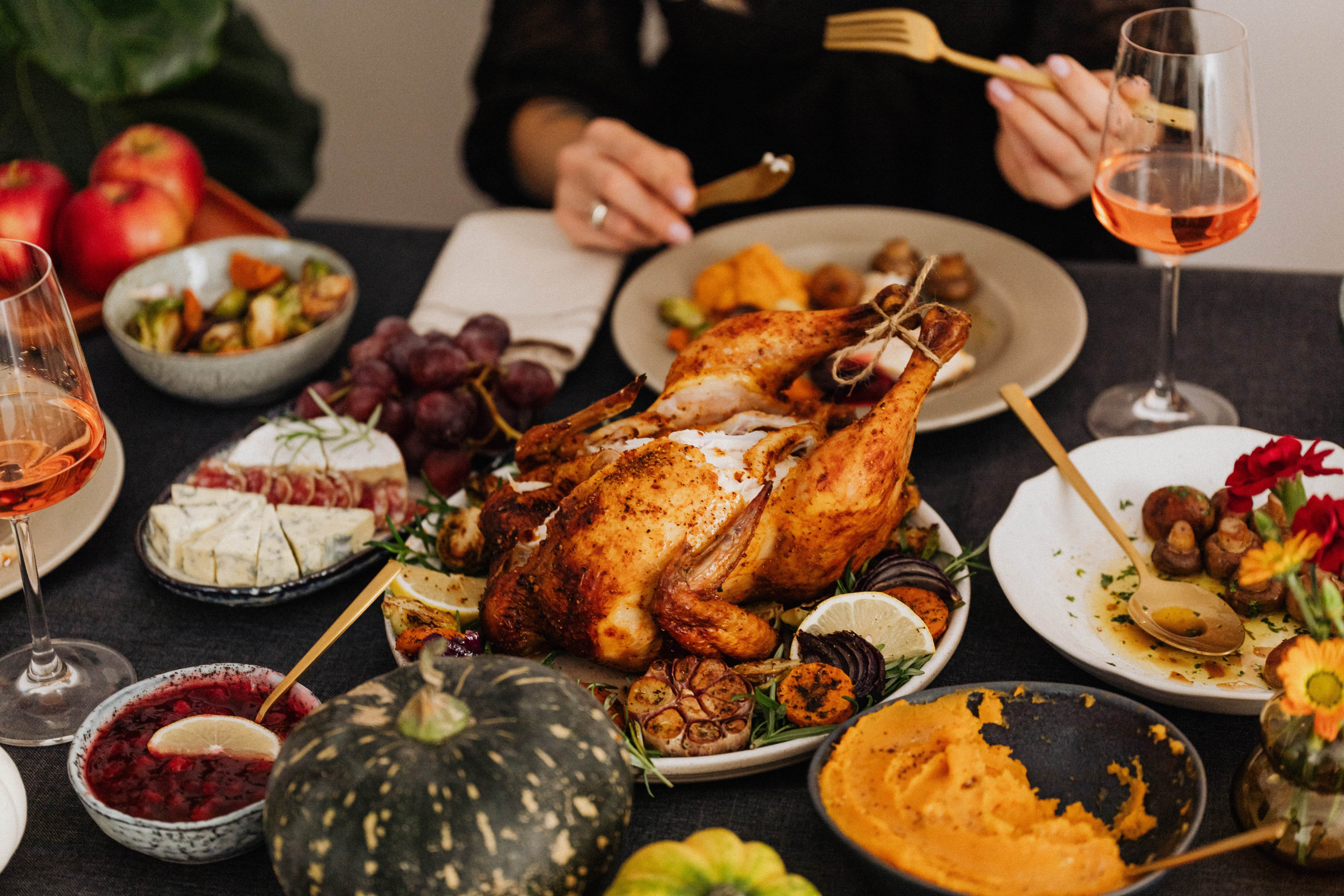 How to Host the Perfect Thanksgiving Dinner 2 min
